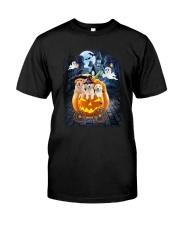Golden Retriever in pumpkin carriage 0208 Classic T-Shirt front