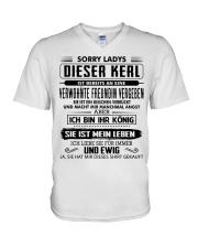 Perfektes Geschenk für Freund - 00 V-Neck T-Shirt thumbnail