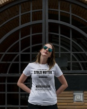 Perfektes Geschenk für Mutter - Kun 00 Ladies T-Shirt lifestyle-women-crewneck-front-1
