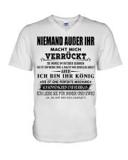 Besonderes Geschenk für geliebte Menschen- Kun 10 V-Neck T-Shirt thumbnail
