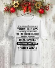 Perfektes Geschenk fur Ihren geliebten Mensche S7 Classic T-Shirt lifestyle-holiday-crewneck-front-2