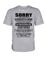 Wenderbare Ehefrau 09 V-Neck T-Shirt thumbnail