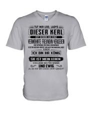 Geschenke fur Freund - CTD05 V-Neck T-Shirt thumbnail