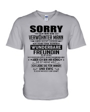 Wunderbare Freundin Tattoos V-Neck T-Shirt thumbnail