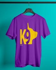 DM WEAR K9 shepherd dog handler Classic T-Shirt thumbnail