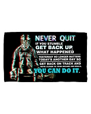 NEVER QUIT Hand Towel (horizontal) front