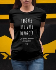 Divorcée Noir Tshirt Ladies T-Shirt apparel-ladies-t-shirt-lifestyle-04