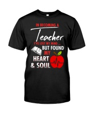 A teacher's great friend Classic T-Shirt front