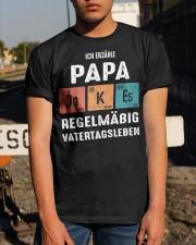 Ich Erzähle Papa JOKES Regelmäßig Vatertagsleben Classic T-Shirt apparel-classic-tshirt-lifestyle-29