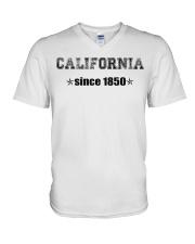 USA hat V-Neck T-Shirt thumbnail