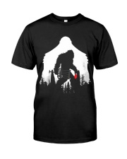 Bigfoot Disc golf in the forest Classic T-Shirt thumbnail