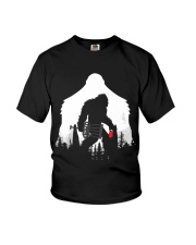 Bigfoot Disc golf in the forest Youth T-Shirt thumbnail