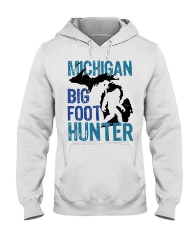 Michigan bigfoot hunter
