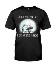 Scuba driving under the moon Classic T-Shirt thumbnail