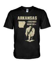 Arkansas - Bigfoot hunter V-Neck T-Shirt thumbnail