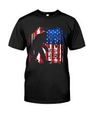 Dude I'm Right Here USA Flag Classic T-Shirt thumbnail