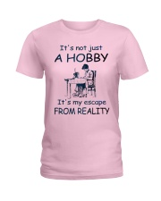 It's not just a hobby - Quilting Ladies T-Shirt front