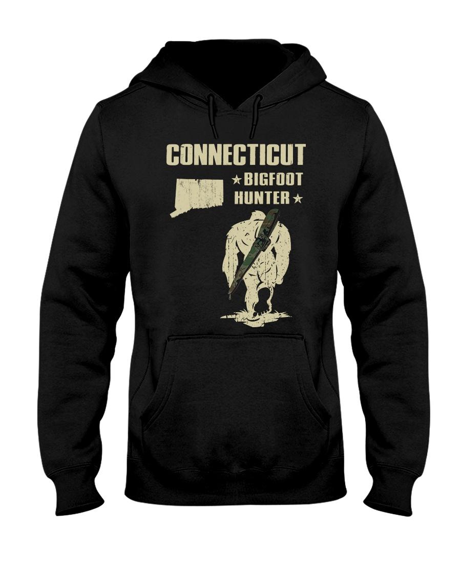 Connecticut - Bigfoot hunter Hooded Sweatshirt