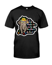 In a world where you can be anything be kind  Classic T-Shirt thumbnail