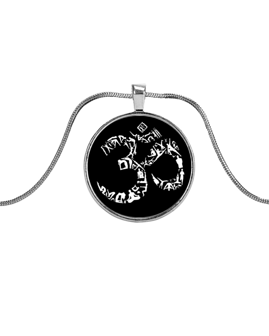 A97 Aum Symbol Metallic Circle Necklace