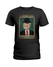 A READER LIVES A THOUSAND LIVES Ladies T-Shirt tile