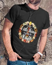 Every Little Thing Is Gonna Be Alright  Classic T-Shirt lifestyle-mens-crewneck-front-4