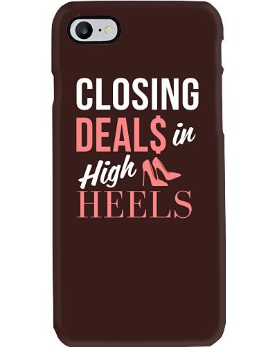 Realtor - Closing Deals In High Heels