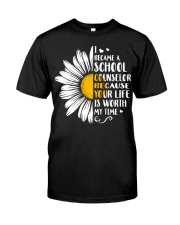 SCHOOL COUNSELOR DAISY Classic T-Shirt tile