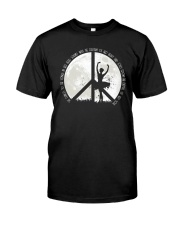 She Dance To The Song A0105 Classic T-Shirt thumbnail