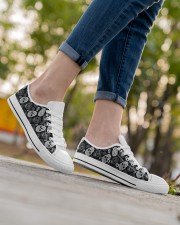 SUGAR SKULL 1 Women's Low Top White Shoes aos-complex-women-white-low-shoes-lifestyle-08