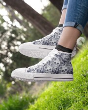 SKULL PATTERN Women's High Top White Shoes aos-complex-women-white-top-shoes-lifestyle-01