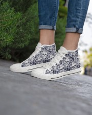 SKULL PATTERN Women's High Top White Shoes aos-complex-women-white-top-shoes-lifestyle-08