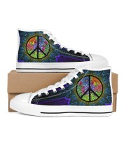 PURPLE HIPPIE PATTERN  Men's High Top White Shoes inside-right-outside-right