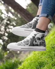 GREY SCARY SKULL Women's High Top White Shoes aos-complex-women-white-top-shoes-lifestyle-01