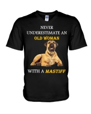 Never underestimate an Old woman with a Mastiff V-Neck T-Shirt front