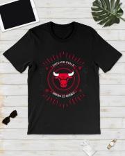Chicago Bulls Hoodiechicago bulls art Classic T-Shirt lifestyle-mens-crewneck-front-17
