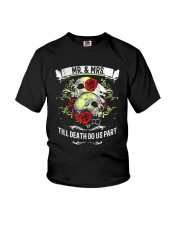 Skull roses Mr and Mrs till death do us part Youth T-Shirt front