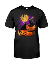 Black cat Halloween Classic T-Shirt front