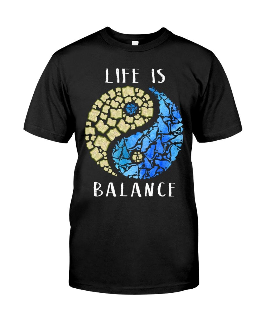 Cat And Book Balance Classic T-Shirt
