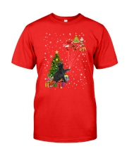 Black cat with gifts 1909 Classic T-Shirt front