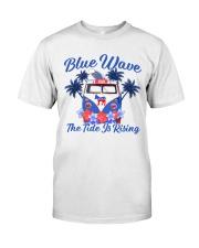 The tide rising Classic T-Shirt thumbnail