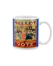 Retro women grab flag Mug thumbnail
