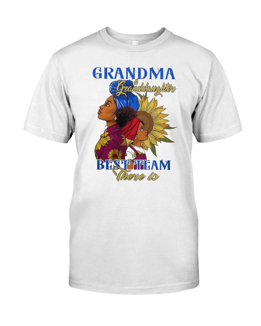 f27e7c2b Grandma and granddaughter best team there is Classic T-Shirt