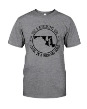 MISSISSIPPI GIRL LIVING IN MARYLAND WORLD Classic T-Shirt thumbnail