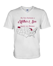 WASHINGTON MICHIGAN THE LOVE MOTHER AND SON V-Neck T-Shirt thumbnail