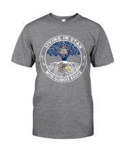 LIVING IN UTAH WITH ILLINOIS ROOTS Classic T-Shirt thumbnail