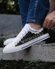 Notorious RGB Men's Low Top White Shoes aos-complex-men-white-low-shoes-lifestyle-03