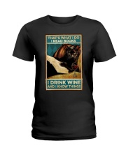 I read books and know things Ladies T-Shirt thumbnail