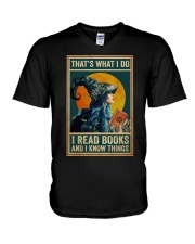 I read books and know things V-Neck T-Shirt thumbnail
