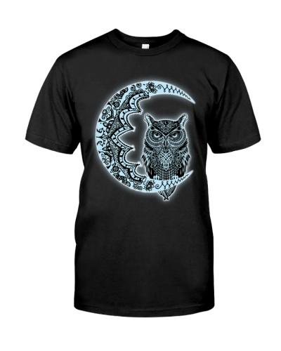 NEW BOHEMIAN OWL ON THE MOON